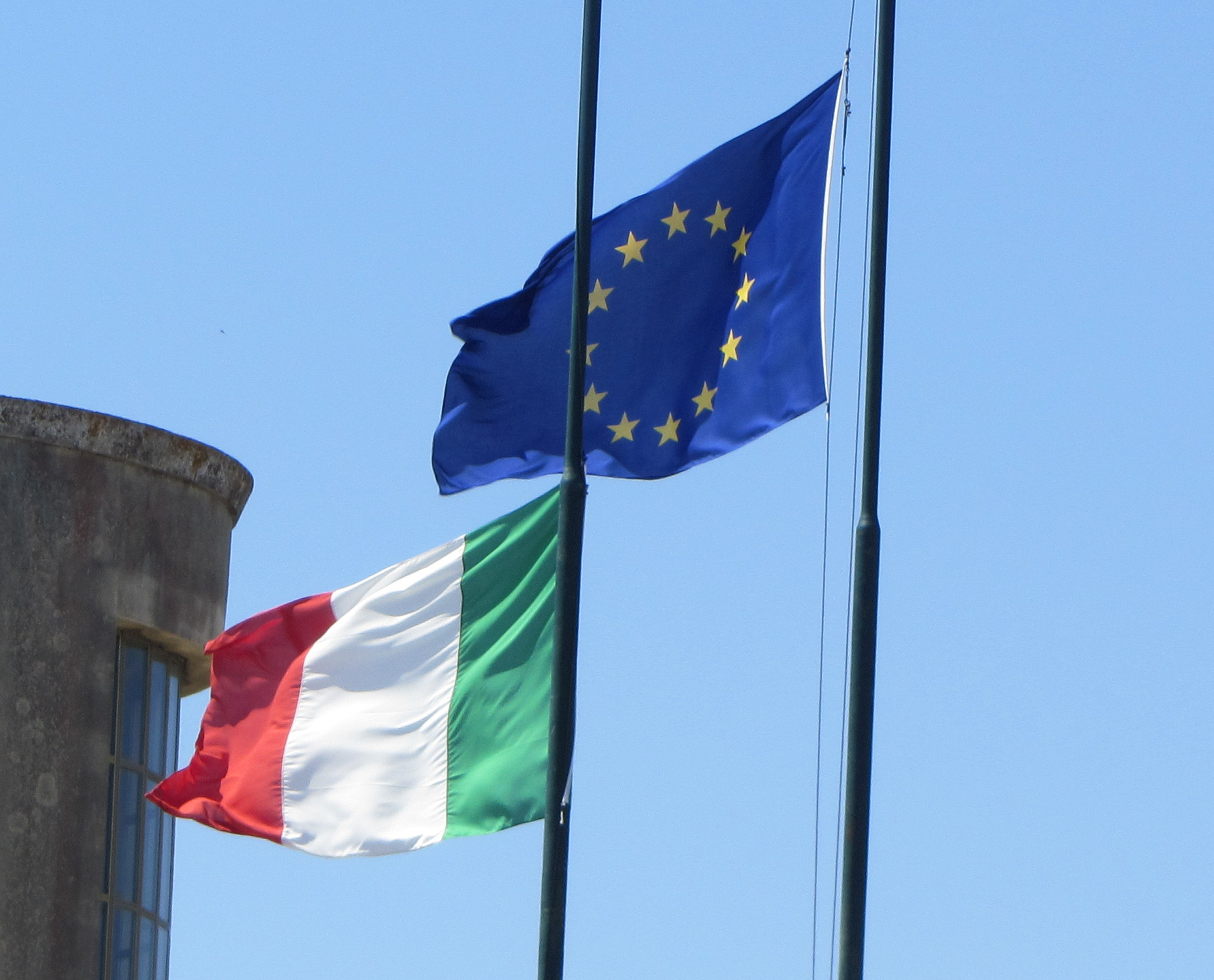 Flag_of_Italy_and_Europe