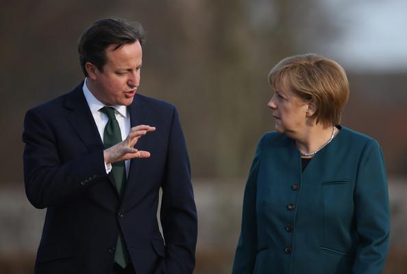 Cameron+Meets+Merkel+Meseberg+0TW-7zlQ45Wl