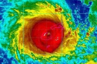 10 morți și zeci de case au fost distruse în Fiji după ce rafalele ciclonului Winston au atins 325 km/h, iar valurile au ajuns până la 12m înălțime