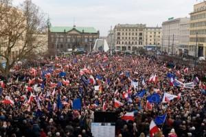 polonia proteste kaczynski lech walesa