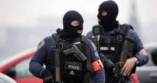 Autoritățile franceze și belgiene mențin alerta teroristă la un nivel ridicat și încearcă să șteargă imaginea proastă pe care incapacitatea de a preveni tragediile din Paris și Bruxelles a provocat-o în rândul populației