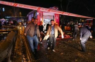 Al doilea atentat în mai puțin de o lună din capitala Turciei, Ankara, a produs cel puțin 34 de victime, după ce o mașină capcană a explodat într-un nod de transport aglomerat al orașului