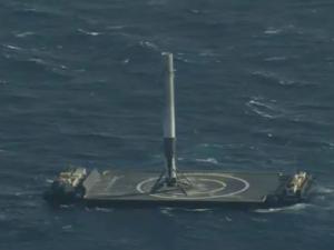 space x aterizare racheta reutilizabila