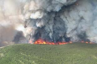 Suprafața afectată de incendiul de vegetație din Canada este posibil să se fi dublat pe parcursul zilei de duminică, la o săptămână de la izbucnirea celei mai mari catastrofe naturale de la începutul acestui an