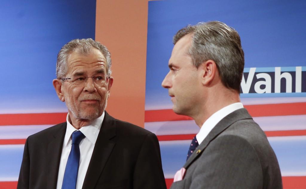 Alexander Van Der Bellen (stânga) este noul președinte al Austriei. Candidatul independent, fost lider al Partidului Verde din Austria, l-a învins pe reprezentantul extremei drepte, Norbert Hofer (dreapta), după o serie de evenimente care s-au întins pe parcursul a aproape 1 an.
