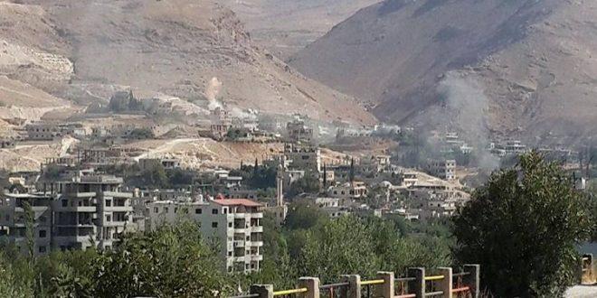 Forțele guvernamentale siriene sunt acuzate că, după ce au preluat controlul asupra orașului Alep, își concentrează acum ofensiva asupra văii Wadi Barada, un punct strategic aflat pe o rută de aprovizionare a armatei și a milițiilor Hezbollah. Foto: Twitter/Iran Arab Spring: https://twitter.com/IranArabSpring