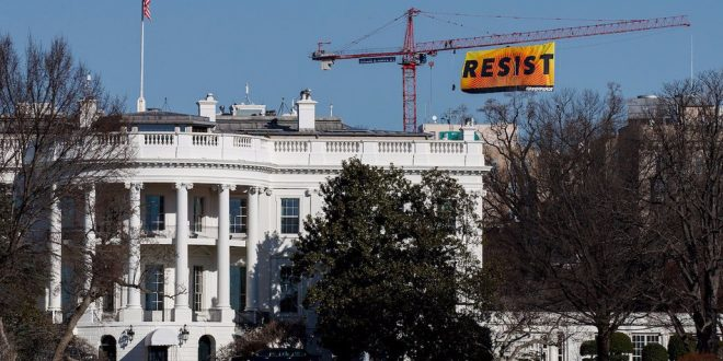 sua casa alba greenpeace protest resist anti trump