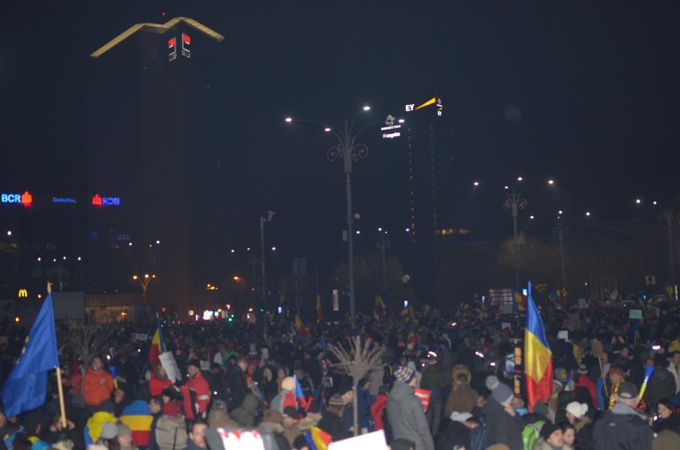 Foto: Adrian Călugăru (București, Piața Victoriei)
