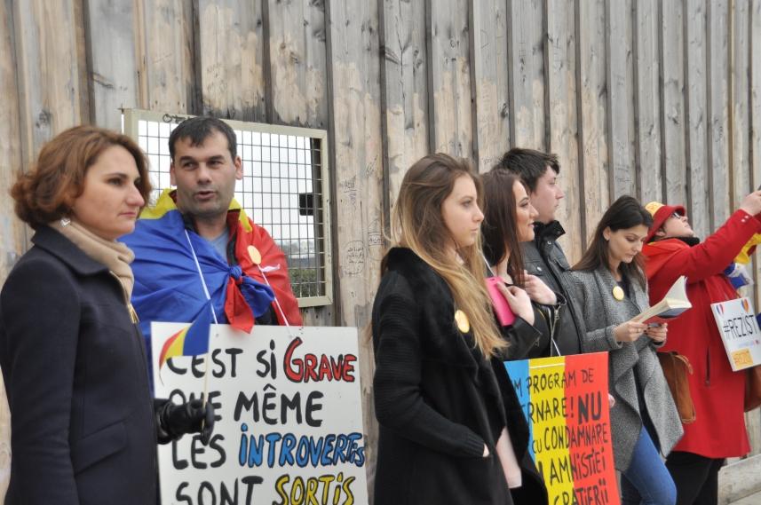 Paris_proteste_Romania_Alla_Tofan_PoliticALL03