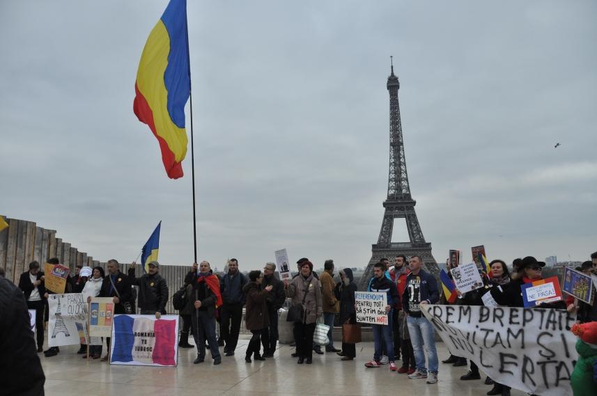 Paris_proteste_Romania_Alla_Tofan_PoliticALL07