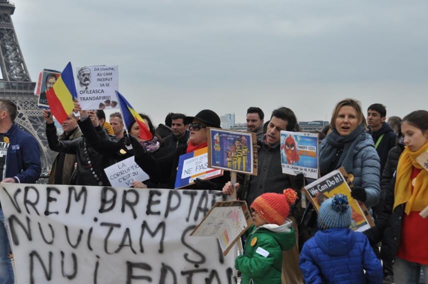 Paris_proteste_Romania_Alla_Tofan_PoliticALL08