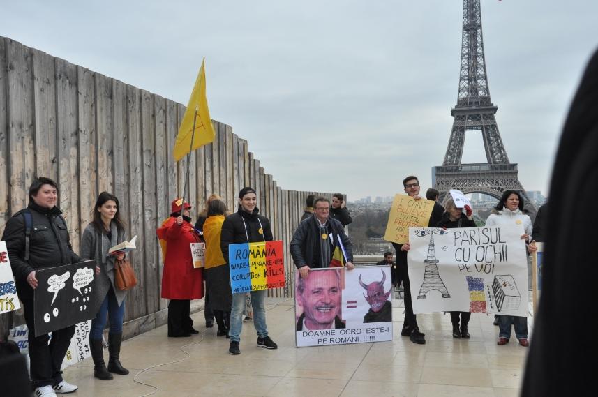 Paris_proteste_Romania_Alla_Tofan_PoliticALL09