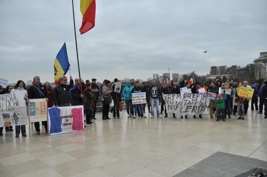 Paris_proteste_Romania_Alla_Tofan_PoliticALL12