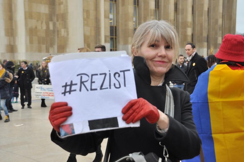 Paris_proteste_Romania_Alla_Tofan_PoliticALL21