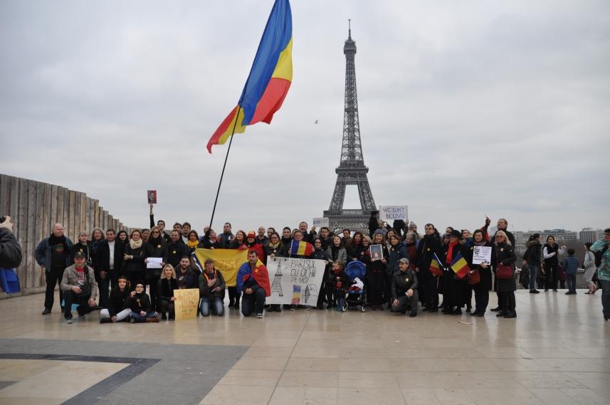 Paris_proteste_Romania_Alla_Tofan_PoliticALL36