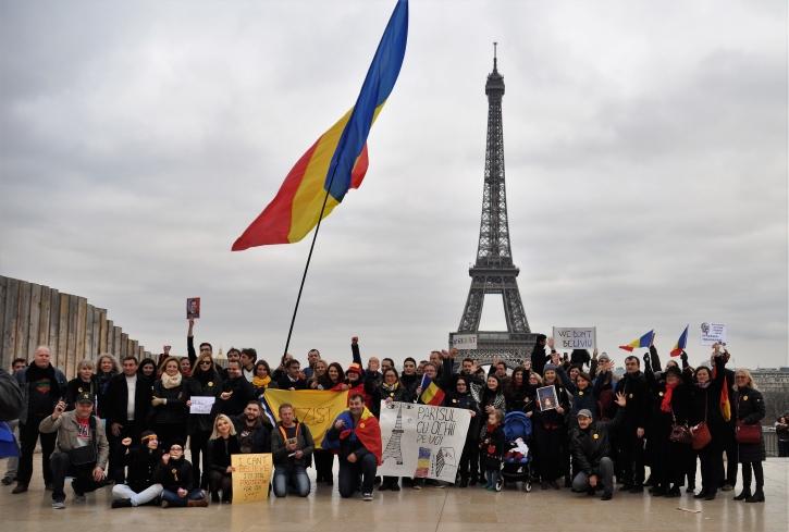 Paris_proteste_Romania_Alla_Tofan_PoliticALL37