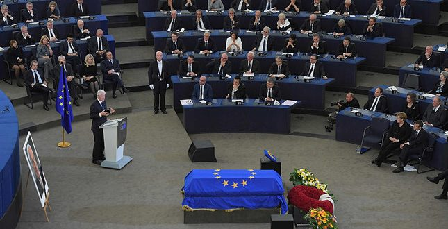 germania helmut kohl omagiu parlament european lideri bill clinton